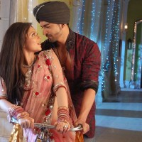 Geet and Maan in Karwa Chauth Song sequence