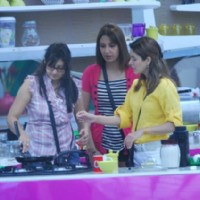 Juhi Parmar with house mates at Bigg Boss House