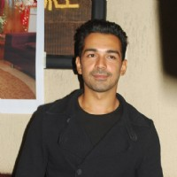 Abhinav shukla at the launch party of his show Ek Hazaaron Mein Meri Behna Hain