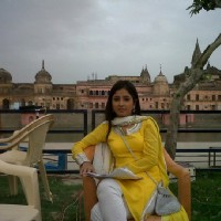 Sana on the sets of Mera Naam Karegi Roshan