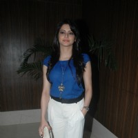 Aamna Shariff at Press meet of film 'Shakal Pe Mat Ja' in Novotel