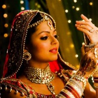Drashti Dhami as Geet bride