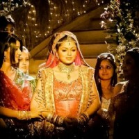 Drashti as Geet in wedding day
