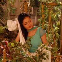 Drashti as Geet in garden
