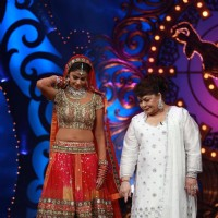 Genelia D'Souza with Saroj Khan add glamour to 'Nach Le Ve With Saroj Khan - Season 3'