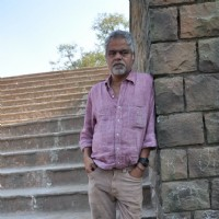 "Sanjay Mishra on the set of ""Pranam Walekum"" in Mumbai"