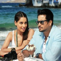 Stills of R. Madhavan and Bipasha in the movie Jodi Breakers | Jodi Breakers Photo Gallery