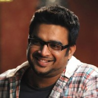 R. Madhavan in the movie Jodi Breakers | Jodi Breakers Photo Gallery