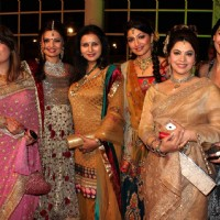 Mink, Poonam, Akruti, Kavita grace Deepshikha Nagpal wedding reception in Mumbai