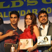 Prateik Babbar & Shazahn at Gold Gym 2012 calendar launch in Bandra, Mumbai