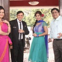 Debina, Sumit, Paresh and Shilpa on sets of Chidiya Ghar