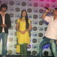 Harshad Chopda and Anupriya Kapoor with Kailash Kher During Tere Liye Press Meet