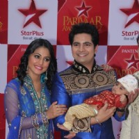 Hina Khan and Karan Mehra at STAR Parivaar Awards Red Carpet