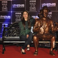 "Kareena Kapoor unveil UTV Stars ""Walk of the Stars'"
