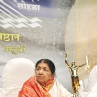 Lata Mangeshkar at Master Dinanath Mangeshkar Awards 2012