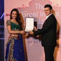 Shazahn Padamsee showcases the Great Indian Wedding Carnival alond with Susheel Sharma at the Gitanjali Fashion Show