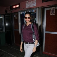 Esha Gupta promote 'Jannat 2' at Gaiety Theater | Jannat 2 Event Photo Gallery