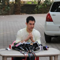 Aamir Khan holds press meet regarding his TV show Satyamev Jayate at his house on sunday