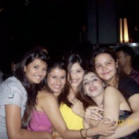 Kratika Sengar, Dimple Jhangiani and Praneeta Sahu with friends