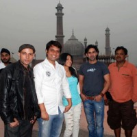 Jennifer Winget, Vinod Dixit and other crew members of Love Kiya Aur Lag Gaye | Love Kiya Aur Lag Gayi  Photo Gallery