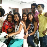 Kushal, Nia, Karan and Krystle with team