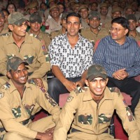Akshay Kumar & Delhi Police Commissioner with Delhi Police Jawans at Rowdy Rathore special screening | Rowdy Rathore Event Photo Gallery