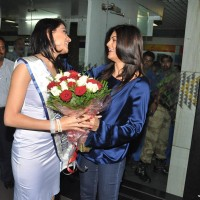 Sushmita Sen at Airport to receive Miss Asia Pacific Himangini Singh Yadu
