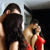 Sunny Leone and Arunoday Singh in film Jism 2 | Jism 2 Photo Gallery