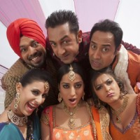 Khushboo, Mahie, Gippy and Ghuggi with Carry On Jatta cast