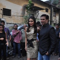 Kareena Kapoor and Madhur Bhandarkar promoting Film Heroine on The Sets of Dance India Dance | Heroine Event Photo Gallery