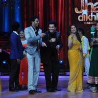 Manish, Karan Johar, Madhuri, Kareena Kapoor at Film Promotion Heroine on Jhalak Dikhhala Jaa | Heroine Event Photo Gallery