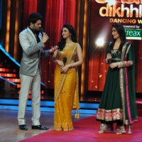 Manish Paul, Ragini Khanna and Kareena Kapoor at Film Promotion Heroine on Set Jhalak Dikhhala Jaa | Heroine Event Photo Gallery