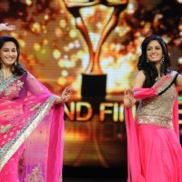 Madhuri Dixit and Sridevi dances on the sets of Jhalak Dikhhla Jaa during the promotion of film English Vinglish | English Vinglish Event Photo Gallery
