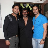 Yuvraj Singh, Ajay Devgn and Angad Bedi at Son of Sardar Special Screening at Ketnav | Son of Sardaar Event Photo Gallery