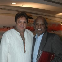 Shashi Ranjan and Rahat Indori at Shashi Ranjan & Rumi Jaffrey's Mushaira event