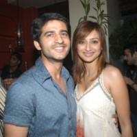 Hiten Tejwani and Gauri Pradhan Tejwani in Vickey Tejwani's bash
