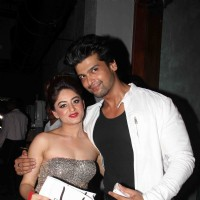 Mahhi with Kushal Tandon at Mahhi Vij's Birthday Celebration
