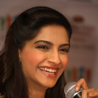 Sonam Kapoor at the press meet for the film 'Raanjhanaa' in New Delhi | Raanjhanaa Event Photo Gallery