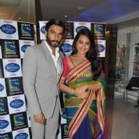 Ranveer Singh and Sonakshi Sinha at Film Lootera Promotion at Indian Idol Junior
