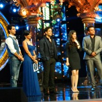Cast promotes film Bajatey Raho on the set of Indian Idol Junior