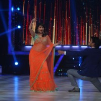 Madhuri Dixit and Sushant Singh Rajput perform together | Shuddh Desi Romance Event Photo Gallery