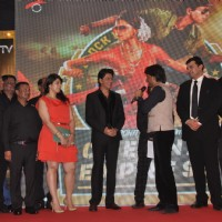 Raju Shrivastav interacts with team Chennai Express at the success party