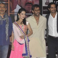 Prakash Jaha, Amrita, Ajay and Arjun Rampal at Satyagraha movie team during the promotion