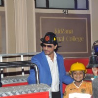 Shahrukh Khan plays a fire fighter at Kidsania's launch
