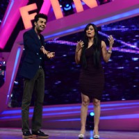 Manish Paul and Shweta Tiwari perform on Nach Baliye Season 6 Grand Finale