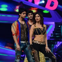 Karan Wahi and Shilpa Shetty perfom on Nach Baliye Season 6 Grand Finale