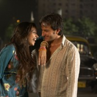 Saif and Deepika are laughing in Love Aaj Kal movie | Love Aaj Kal Photo Gallery