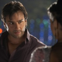 Saif Ali Khan talking to Deepika | Love Aaj Kal Photo Gallery