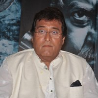Vinod Khanna was seen at the Press conference of Koyelaancha