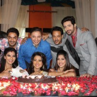Main Na Bhoolungi's 100 episode celebration